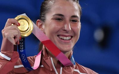 Bencic betters Vondrousova to land Swiss Gold