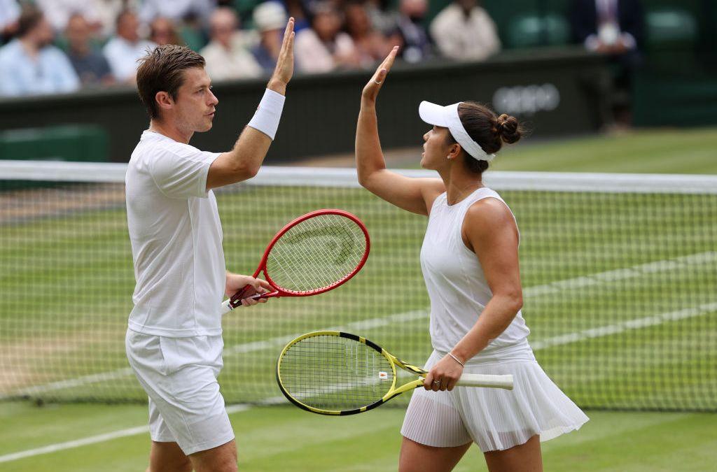 Skupski & Krawczyk claim place in Mixed Doubles final