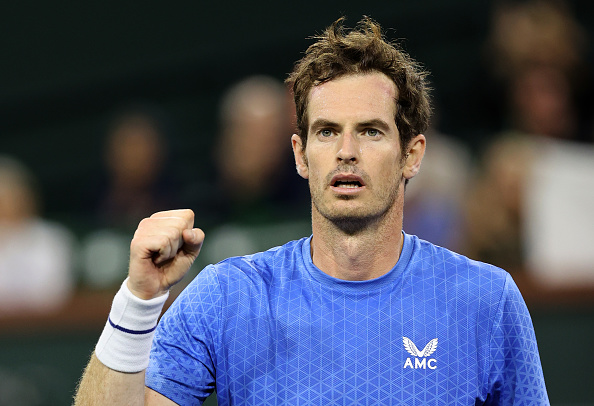 Murray comfortably secures second round spot