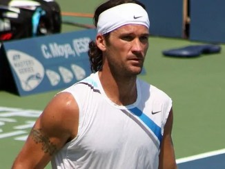 Carlos Moya Won the 1998 French Open title
