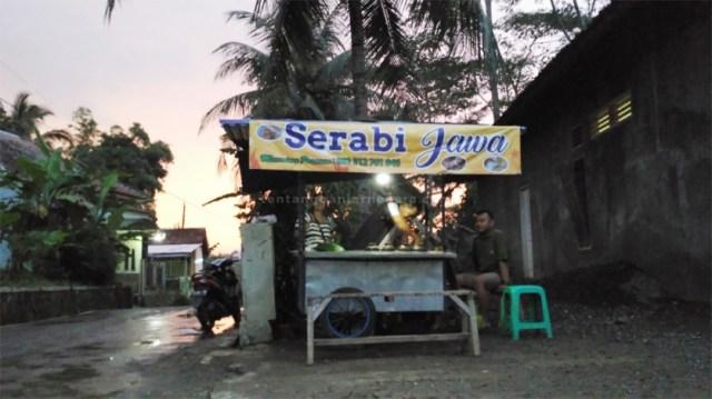 Foto: Lokasi gerobak jajanan serabi jawa Pak Narsun