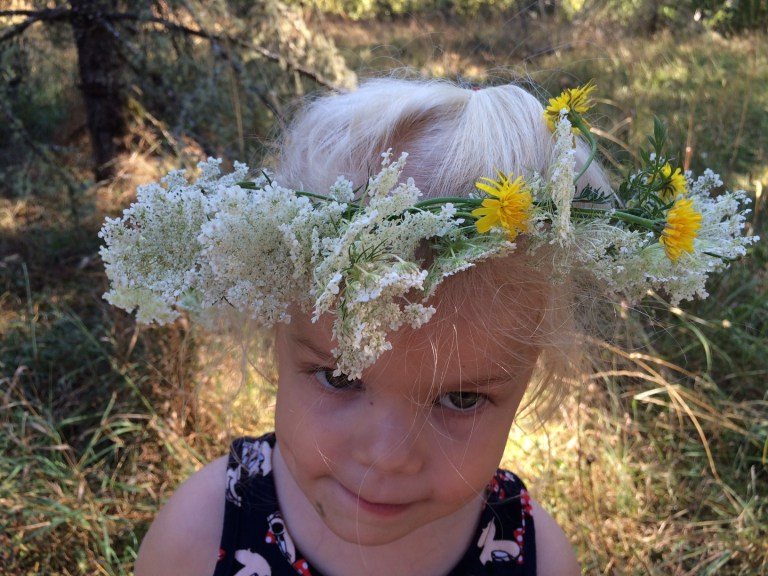 Weaving a crown of flowers is the perfect way to celebrate summer. Make one for your kids—and yourself! Ten Thousand Hour Mama