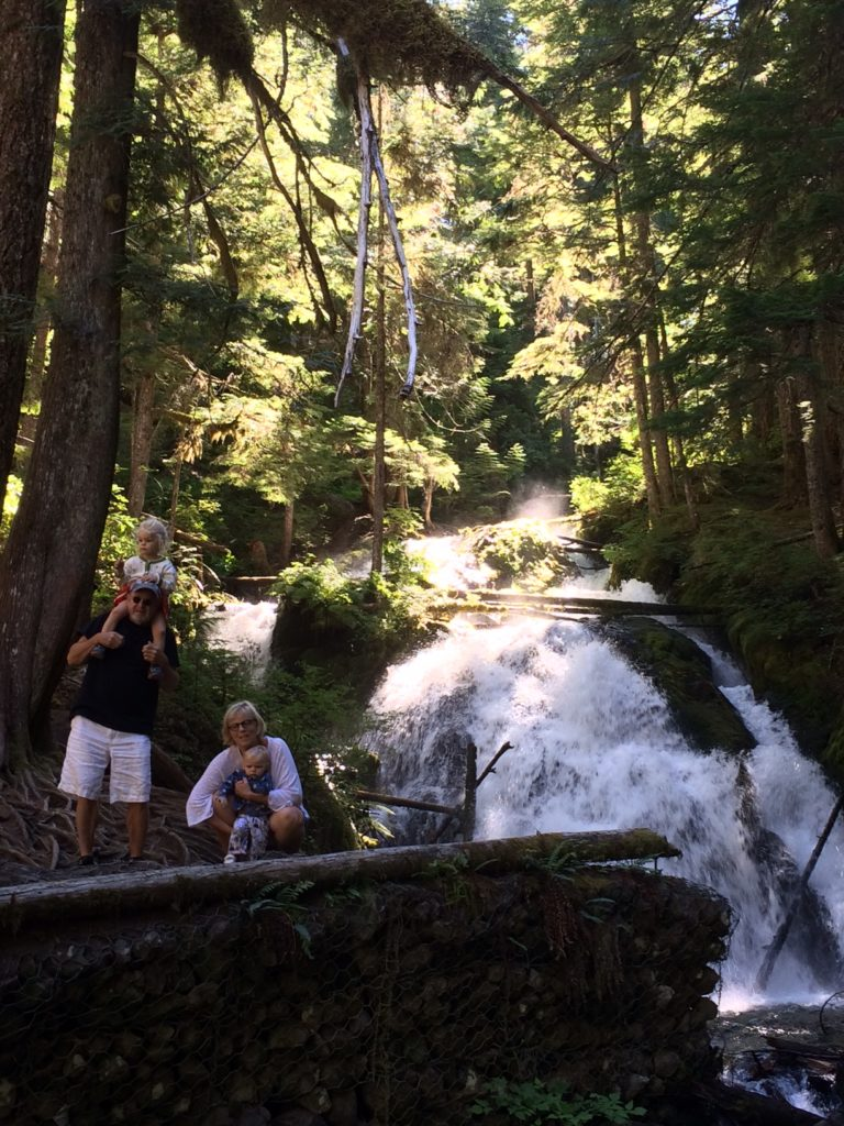 Looking for a Mt Hood family hike? Little Zigzag Falls is short with a big waterfall payoff. Ten Thousand Hour Mama