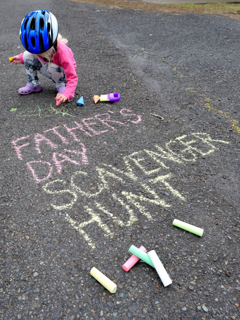 A Father's Day scavenger hunt is a fun, easy and last-minute gift idea from the kids to Dad! Ten Thousand Hour Mama
