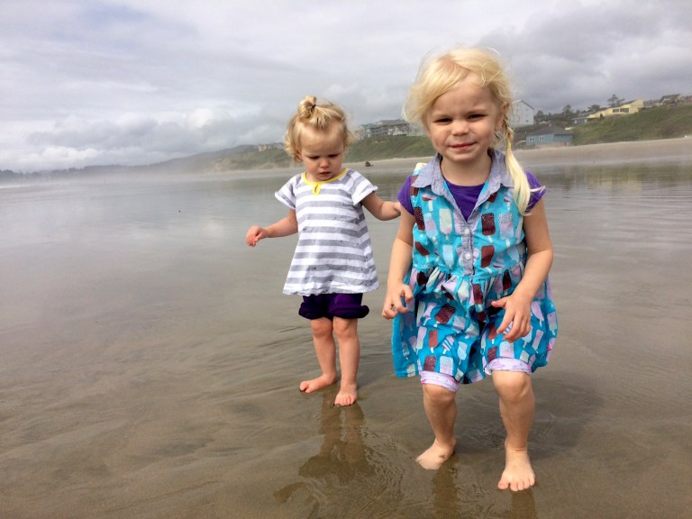 My $2 hack to make my kids sleep on vacation = my best parenting decision ever! Ten Thousand Hour Mama