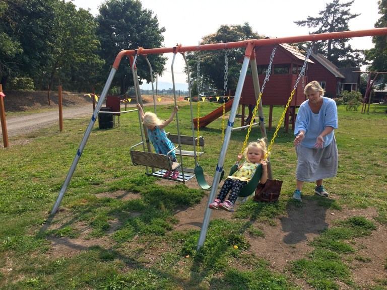 Detering Orchard in Eugene: Things to do with kids in Oregon. Ten Thousand Hour Mama