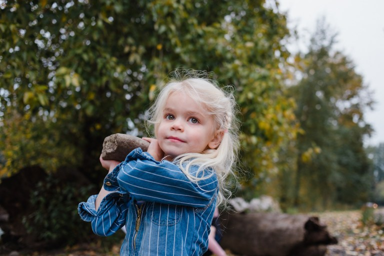 Ideas for family photography shoot for Christmas cards - Ten Thousand Hour Mama