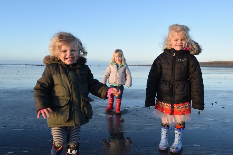 Kids on the Oregon coast - family travel. Ten Thousand Hour Mama
