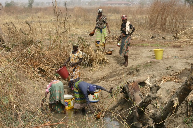 Collecting water in Ghana - Ten Thousand Hour Mama