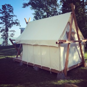 Northern-Minnesota-lake-house-tent