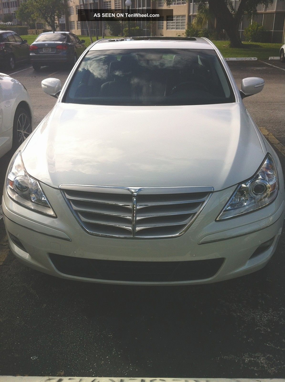 hight resolution of 2011 hyundai genesi sedan