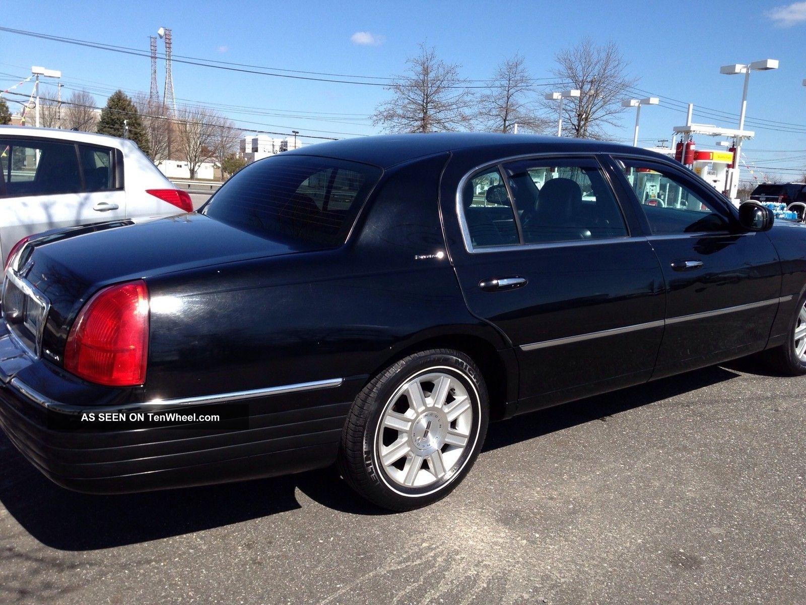 2012 Lincoln Town Car Executive L