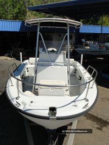 Boston Whaler 20 - Year of Clean Water