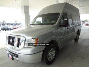 2013 Nissan Nv2500 Sv Rare Colored Silver Unit High Roof Dual Power Outlets