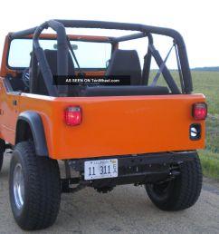 jeep cj7 orange [ 1600 x 1200 Pixel ]