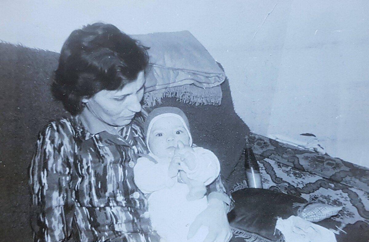 Mama - in memoriam Ecaterina Burnar