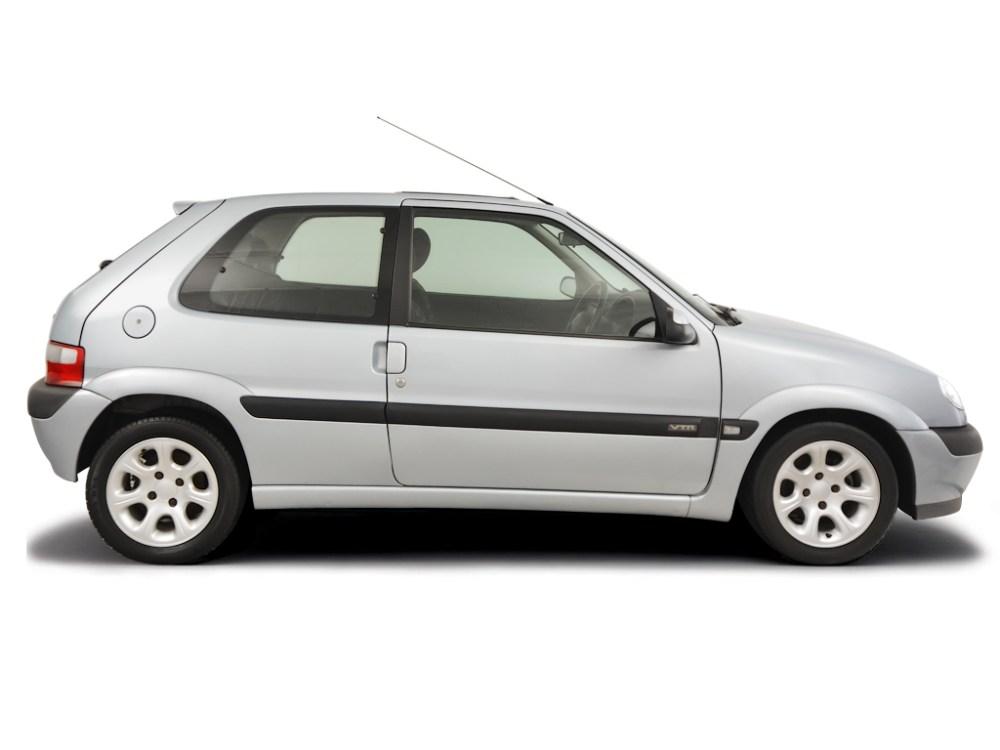 medium resolution of checking steering fluid citroen saxo 1996 2004 petrol 1 6