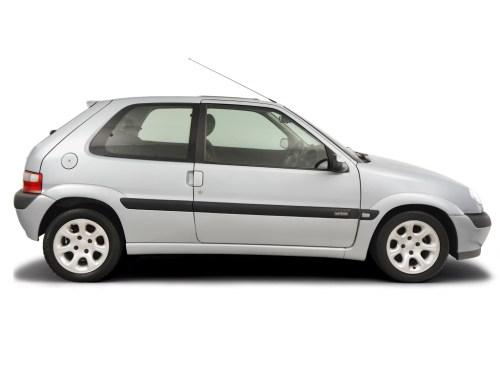 small resolution of checking steering fluid citroen saxo 1996 2004 petrol 1 6