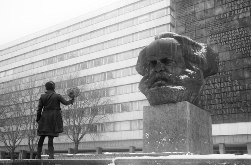 Marx e a crítica da autonomização da política
