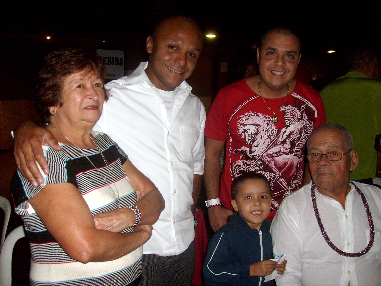 Ivo de Carvalho e família. Foto Sylvia Arcuri.