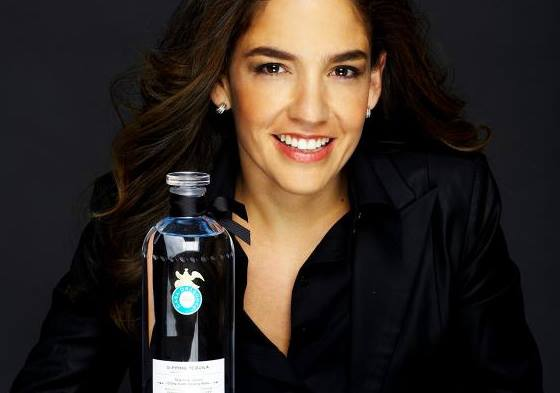 Tequila Aficionado Discusses Casa Dragones with Bertha Gonzalez Nieves (Spanish)