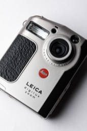 LEICA digilux zoom-3065