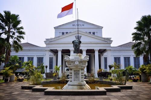 Terakurat - Info akurat - Museum di Jakarta - Bosan pergi ke mall, kafe, atau bioskop untuk menghabisakan liburan akhir pekan ? Mungkin mengunjungi museum di Jakarta bisa jadi kegiatan yang menarik dan unik. Buat kamu yang ingin mencoba hal baru untuk berlibur, bisa menambah pengetahuan juga kan guys.