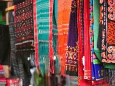 cara merawat kain tenun tradisional