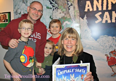 An Evening With Jan Brett and The Animals' Santa - teresabrouillette.com