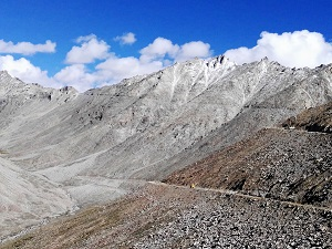 Looking up towards Khardung La Pass from the Leh road