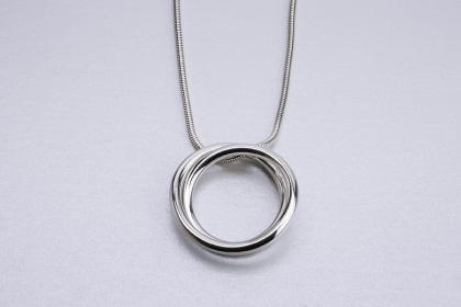 continuous-circle-pendant