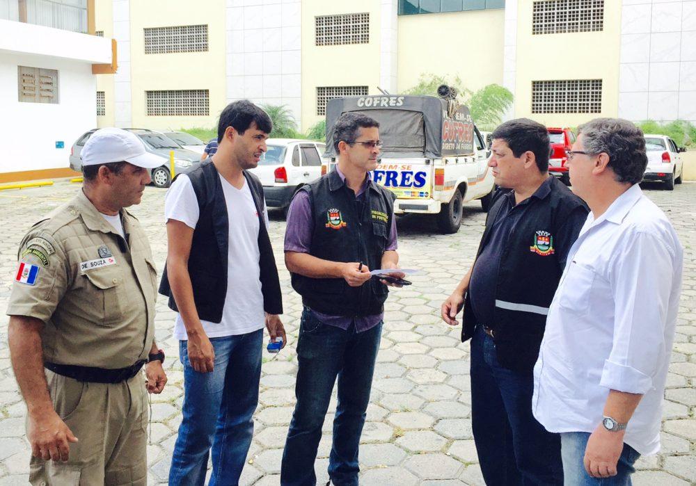 Combate ao comércio irregular: Prefeitura multa ambulantes que vendiam produtos ilegalmente nas ruas da cidade
