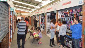 Mercado Popular homenageia as mulheres pelo Dias das Mães