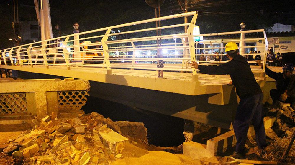 Estrutura instalada na ponte da Praça Olímpica