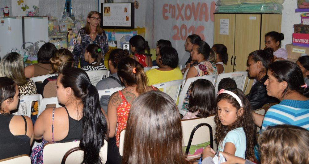 CRAS Meudon faz entrega anual de enxovais para bebês