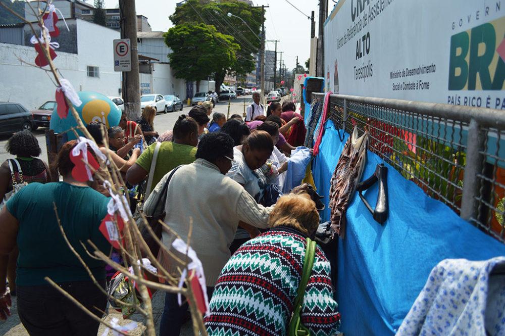 Muro da Gentileza: cultura do desapego é incentivada nos CRAS