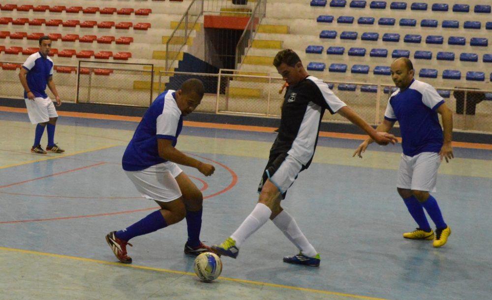 Copa dos Funcionários de Futsal segue no Ginásio Pedrão