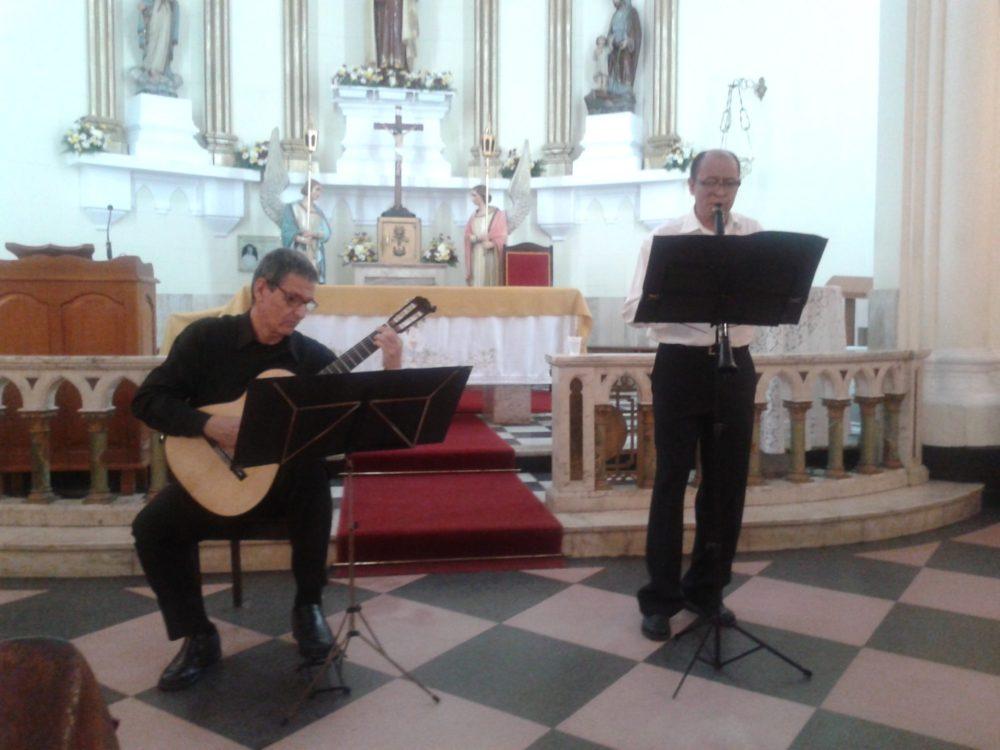 Música na Matriz: Duo Perez-Rangel encanta plateia