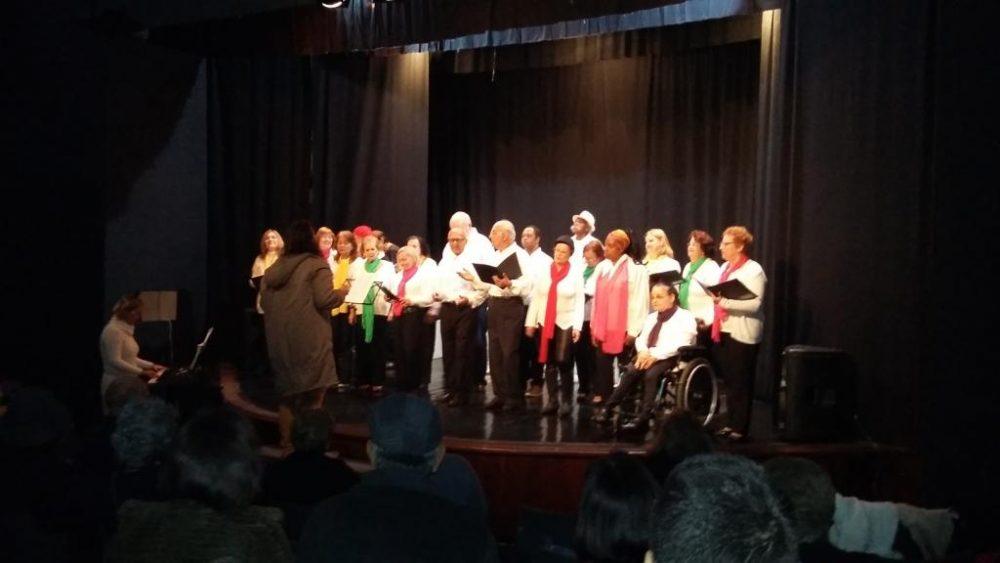 Prefeitura e artistas comemoram aniversário da SOARTE com show de coral, posse da nova diretoria e premiação do Salão Comemorativo