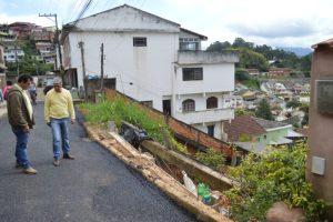 Prefeito Mario Tricano verifica obra no Pimentel