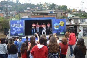 Prefeitura promove ação cultural no Corta Vento
