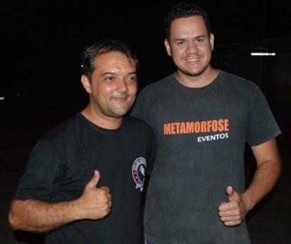 Secretário de Esporte, Luizinho, com o produtor de eventos, Mario Andrade no Encontro Beneficente de Carros Rebaixados