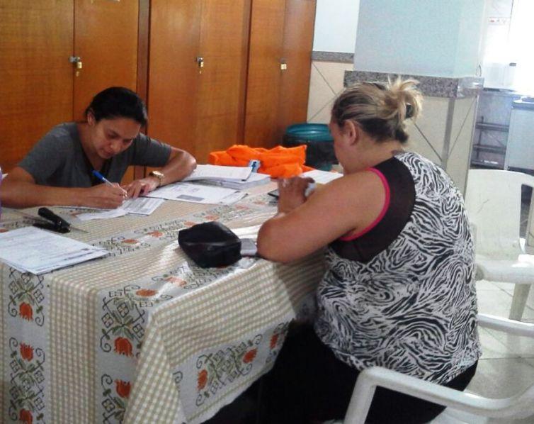 Começa o atendimento da equipe do CRAS Fischer no bairro Fonte Santa