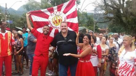 """Marcus Vinícius """"Marcão"""", sec. Trabalho, com integrantes da Escola de Samba Imperatriz de Olaria, no Pré-Carnaval da Feirinha"""