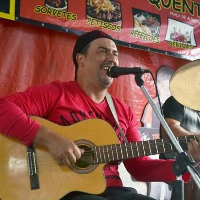 No domingo, 11, às 14h, Luiz Carlos tocará na Feirinha MPB, marchinhas de Carnaval