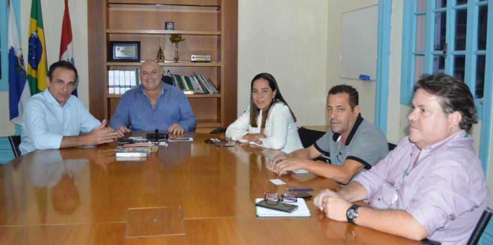 Melhoria da iluminação pública é tema de reunião entre Prefeitura e Enel