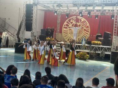 Musical 'O Canto das Irias', da comunidade Shalom, de Petrópolis, encanta público no Pedrão