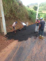 Durante a semana, equipes atuaram na serra de Mottas, sentido Soledade, através da operação tapa-buracos