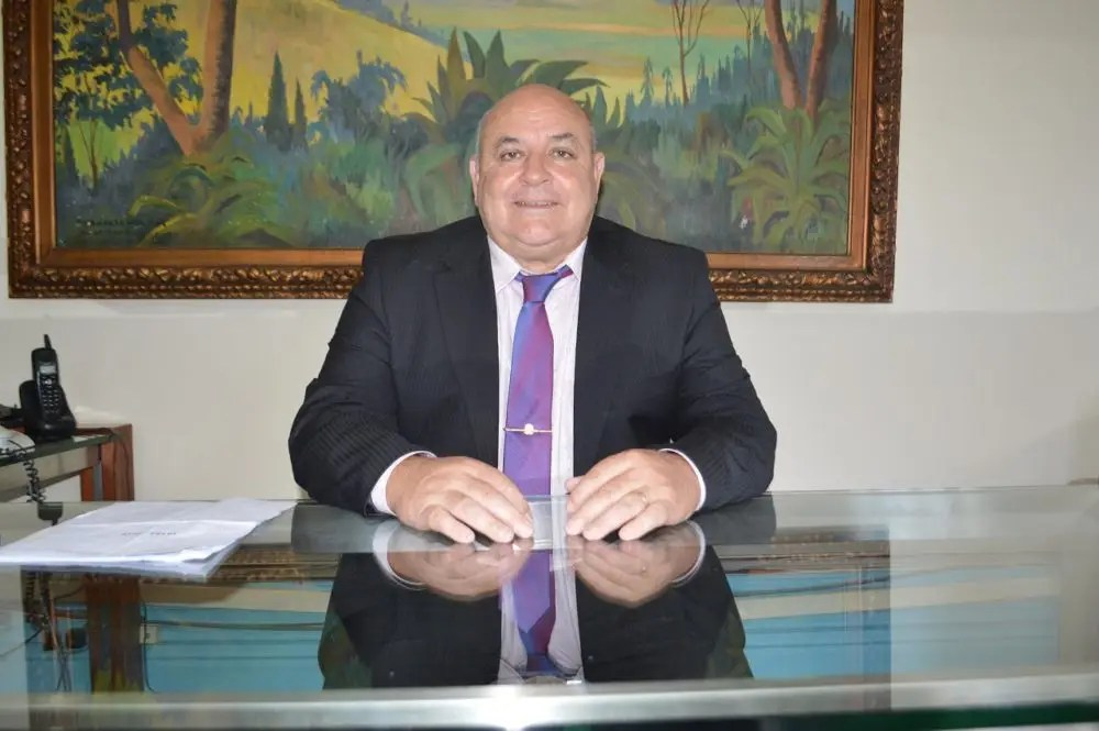 Prefeito Pedro Gil encerra gestão antecipando pagamento dos servidores municipais