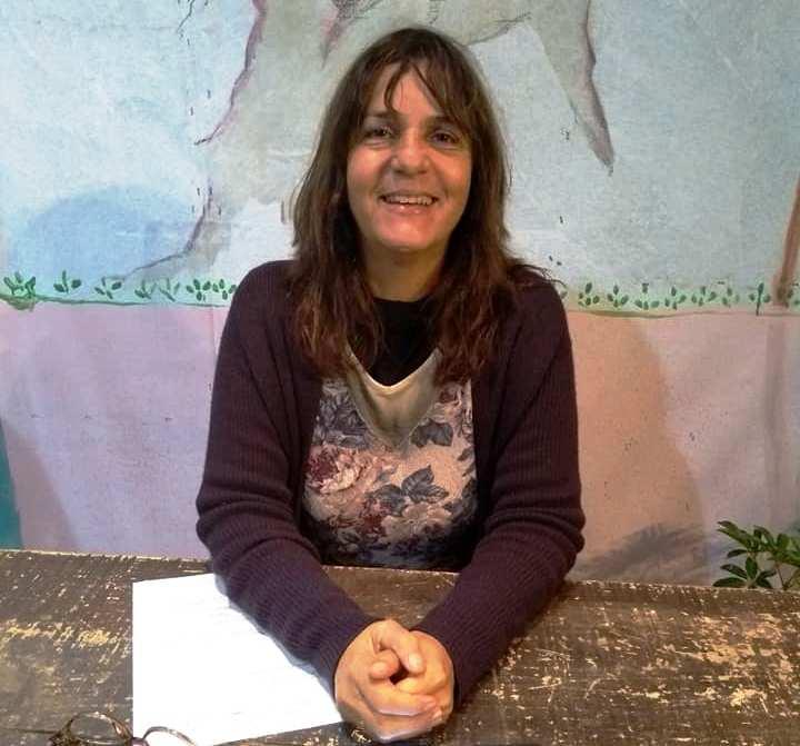 Nara Zeitune, apresentadora do Cultura de Raiz